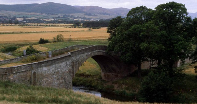 Weetwood Bridge, Northumberland, UK by Lynne Kirton, Wikimedia Commons