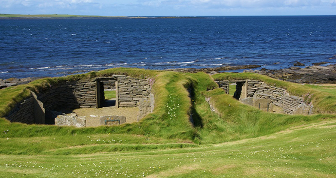 Knap of Howar Papa Westray Orkney by Otter, Wikimedia Commons archaeological sites orkney