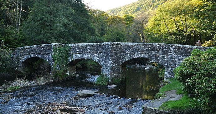 Fingle Bridge, South Devon by Nilfanion, Wikimedia Commons