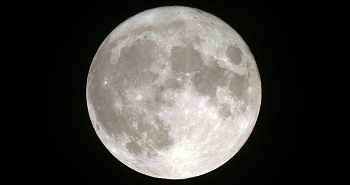 Full moon by Krol