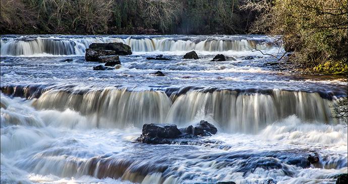 Aysgarth Falls Wensleydale Yorkshire Dales by Andrew Locking www.andrewswalks.co.uk