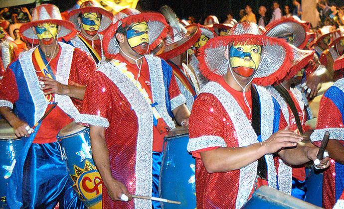 Carnaval, Uruguay by Vince Alongi, Wikimedia Commons