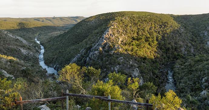 Quebrada de los Cuervos, Uruguay by Tornasoloriental, Wikimedia Commons