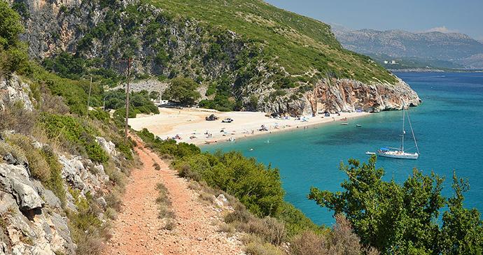 Gjipe beach, Albania by Pudelek, Wikimedia Commons
