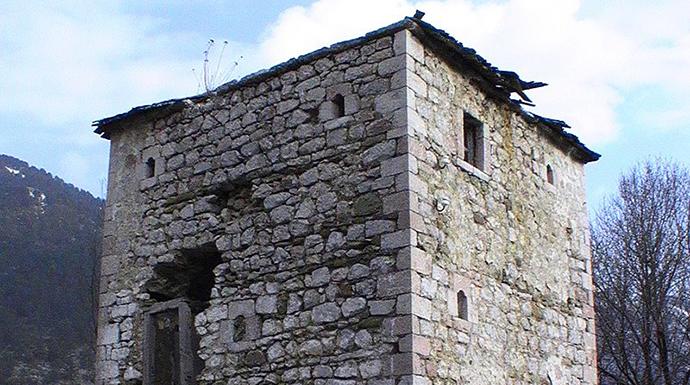Kulla, Lurë, Albania by isaleal, Wikimedia Commons