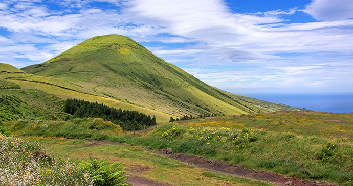Sao Jorge Azores by Guillaume Baviere