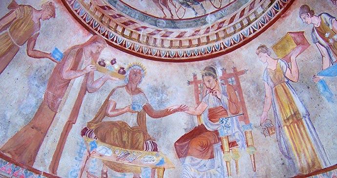 Kazanluk Thracian tomb Bulgaria by Psy guy Wikimedia Commons