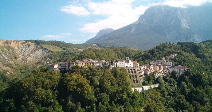 Castelli, Abruzzo, Gaetanogambilonghi, Wikimedia Commons