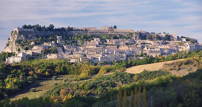 Civitella del tronto, Abruzzo, Italy, Bornin54, Dreamstime