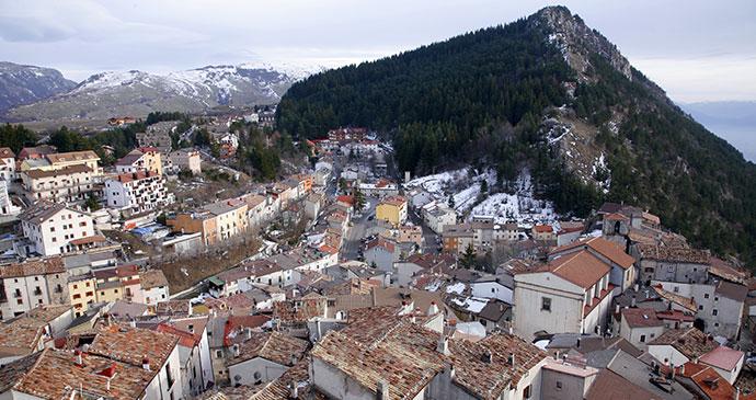 Ovindoli, Abruzzo, Italy by trotalo, shutterstock