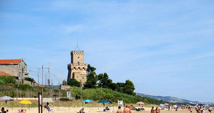 Pineto, Abruzzo, Italy by Luca Aless, wikimediacommons