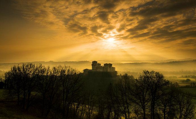 Castello di Torrechiara Emilia-Romagna Italy by CC-BY-SA Lara Zanarini