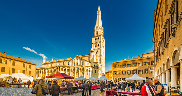 Antiques market Modena Emilia-Romagna Italy by GoneWithTheWind, Shutterstock