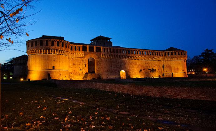 Rocca Sforzesca Emilia-Romagna Italy by CC-BY-SA Vanni Lazzari