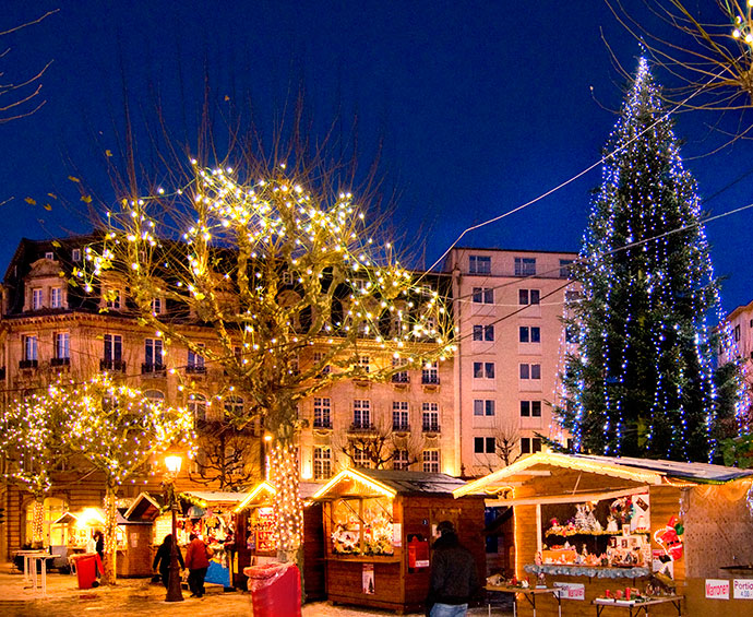 Christmas market place d'Armes Luxembourg by Andres Lejona/VDL/ONT