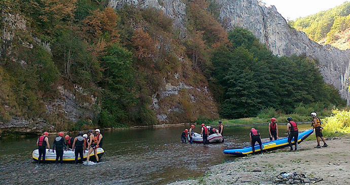 Rafting, Transylvania, Romania by Hungarian skier, Wikimedia Commons