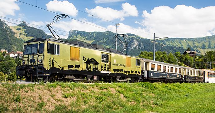 Chocolate Train Montreux by Norio Nakayama Wikimedia Commons