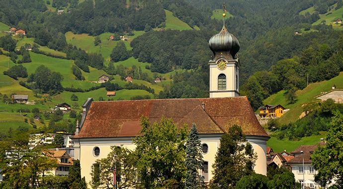 Gersau Switzerland Lake Luzern by Archangel12 Wikimedia Commons