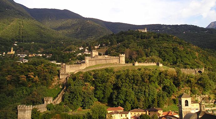 Montebello Castle, above Bellinzona by Massimo Macconi Wikimedia Commons