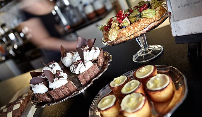 Fika Gothenburg cakes west Sweden by Jonas Ingman, vastsverige.com