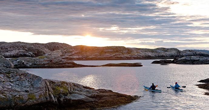 Kayaking Bohuslan coast West Sweden Henrik Trygg vastverige.com