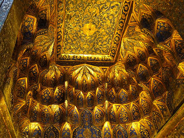 Guilded ceiling Sheikh Safi Mausoleum Ardabil Iran by Adam Jones Wikimedia Commons