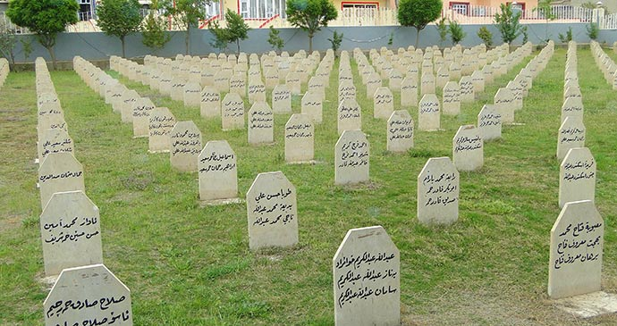 Cemetery to the 1988 Massacre Halabja Iraq by Adam Jones, Wikimedia Commons