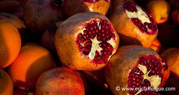 Pomegranate Kurdistan cuisine Iraq by Eric Lafforgue