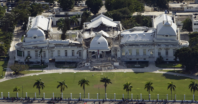 Presidential Palace (National Palace), Port-au-Prince, Haiti by Logan Abassi-UNDP Global, Wikipedia