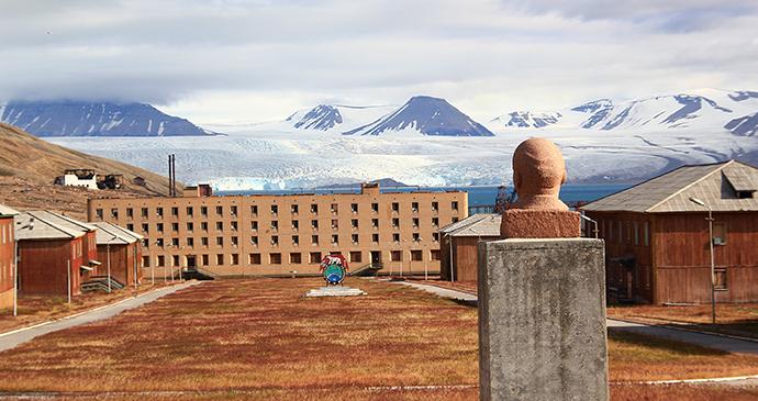 Pyramiden, Svalbard by Marcela Cardenas, www.nordnorge.com