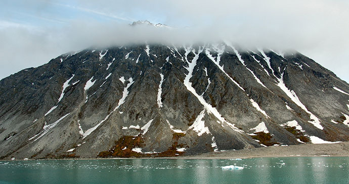 Magdalenefjorden, Svalbard by James Stringer, Flickr