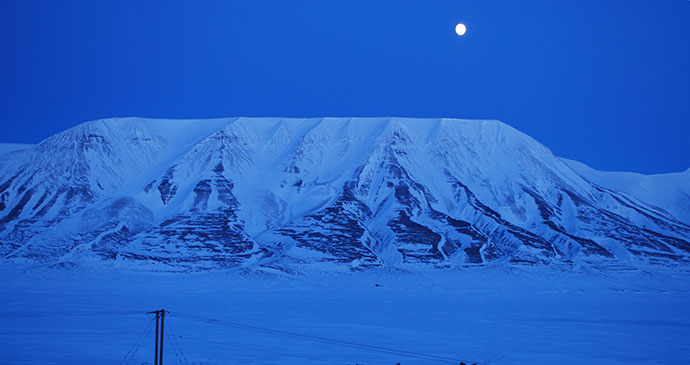 Polar night, Svalbard by PaterMcFly, Wikimedia Commons