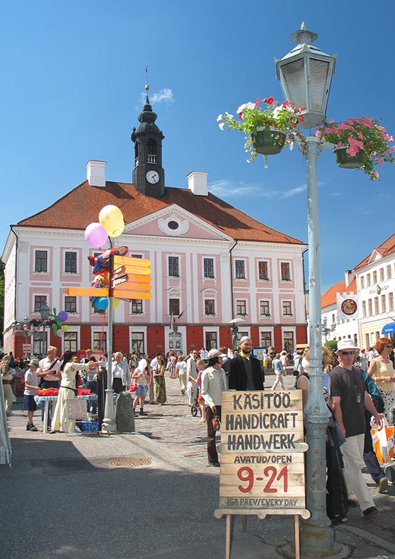 A market offering handcrafted goods in Tartu by Visit Estonia